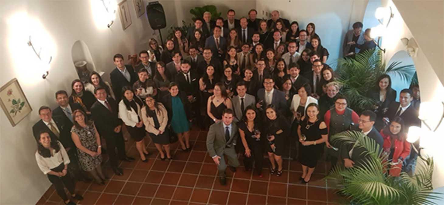 remise des diplômes étudiants équatoriens